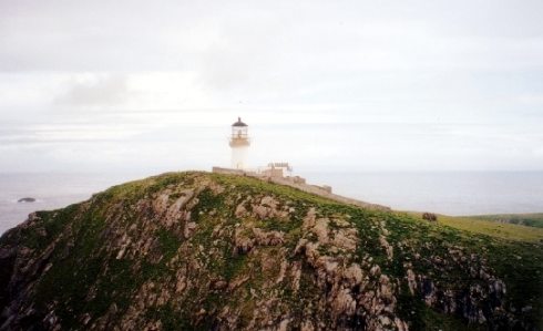 The lighthouse on Eilean Mòr. Credit: Marc Calhoun (geograph.org.uk)