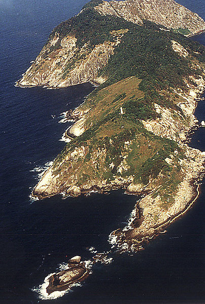 Photo of the island. Source: http://www.flickr.com/photos/governomunicipaldeitanhaem/6053654521/in/photostream/